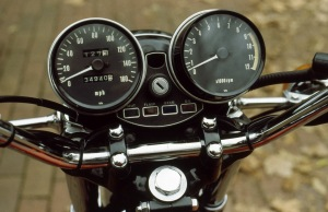 "The Z1 incorporated a first in having the ignition an ""idiot lights"" between the gauges."