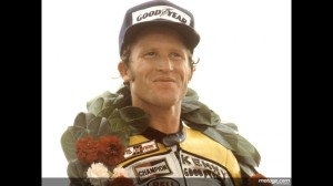 Roberts wen ton to win a hat-trick of 500cc World Championships.