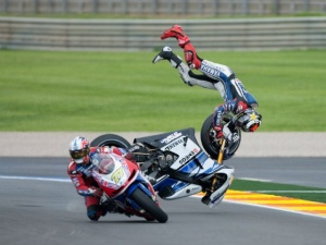 Jorge Lorenzo becomes airborne trying to avoid backmarker James Ellison.